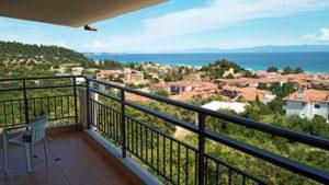 Θέα προς τους λόφους και τη θάλασσα γύρω από το ξενοδοχείο, διαμέρισμα #19